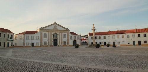 Praça dos Imperadores - Manique do Intendente